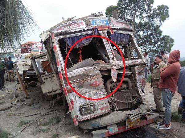 cement truck crashed in dalhousie tunuhati