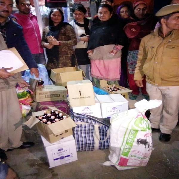 women busted the illegal liquor business in shop