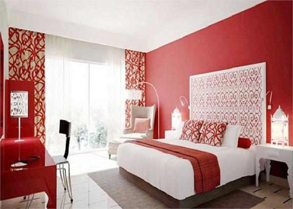 Bedroom Tips: पार्टनर से लड़ाई और अनदेखी की वजह हैं ये 8 वास्तुदोष