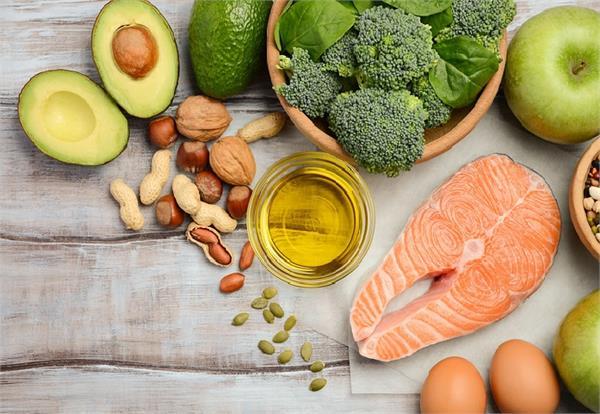 Women Health: हेल्दी हार्मोंस के लिए आपकी Diet में होनी चाहिए ये 3 खूबियां