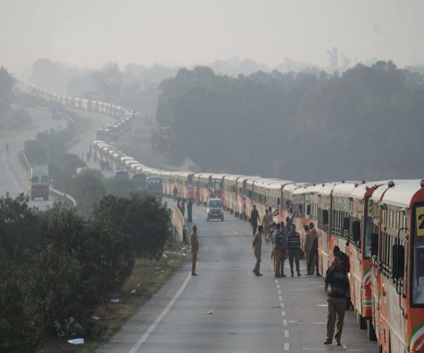 guinness record created by running 500 shuttle buses in prayagraj