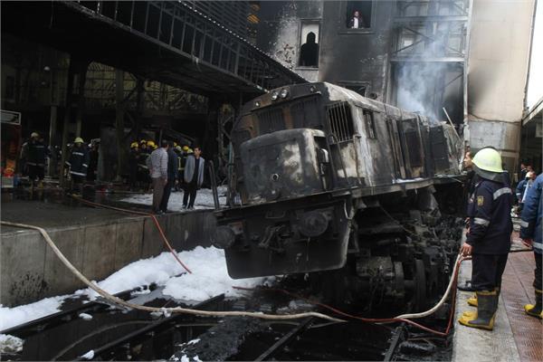 fiery train crash at cairo station kills 20