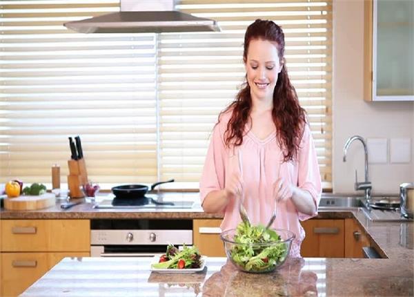 Health Alert! हर औरत खाना बनाते समय करती है ये 6 गलतियां