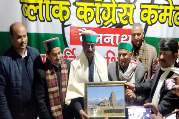 flying senses of bjp by priyanka gandhi s entry in active politics