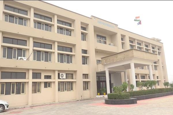 pm modi will give college to ferozepur jhirka