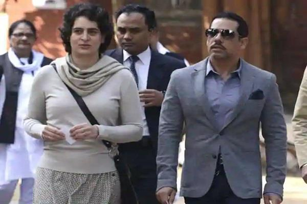 robert vadra and priyanka gandhi arrive in jaipur