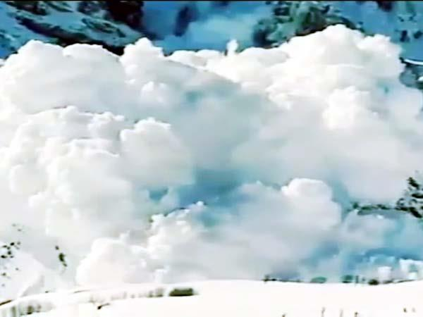 4 dhabas and bro s bridge destroyed due to falling glacier in lahaul