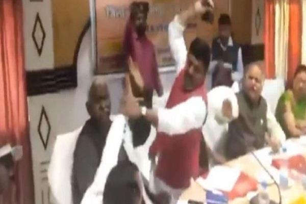 internal erosion of democracy in bjp and zootam pajar in leaders