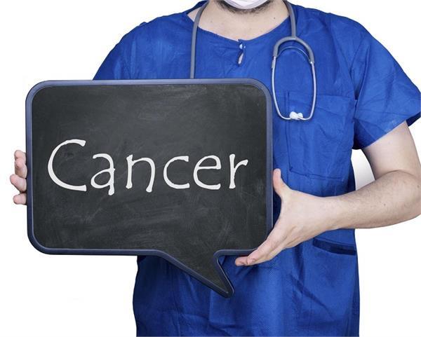 सावधान! कैंसर का खतरा बढ़ाती हैं आपके आसपास मौजूद ये 8 चीजें