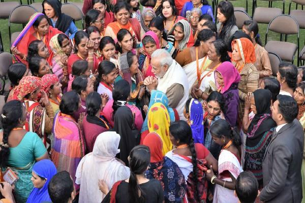 women day pm modi greeted women by sharing video