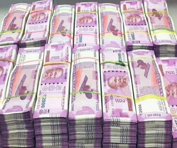 police seized more than 1 crores of cash from cash van documents not found