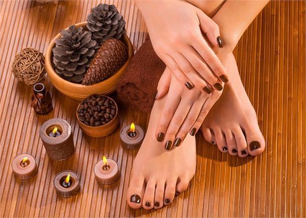 घर पर 5 स्टेप में आसानी से करें Chocolate Pedicure और पाएं खूबसूरत पैर