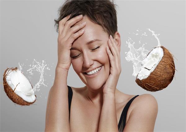 7 Beauty Tips: नारियल पानी से दूर करें भद्दे दाग और झाइयां, यूं करें इस्तेमाल