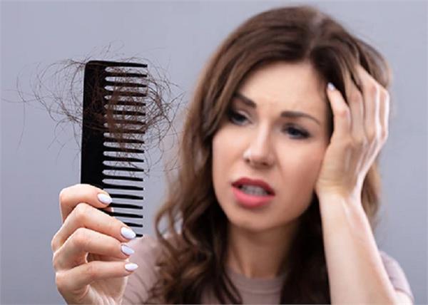 Hair Care: हेयरफॉल का कारण बनती हैं गीले बालों में की गई ये 7 गलतियां