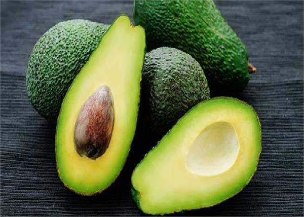 सेहत और ब्यूटी के लिए वरदान है Avacado, जानिए खाने से लेकर लगाने तक के 10 फायदे
