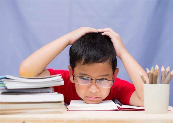 Exam Time: बच्चों का पढ़ाई में नहीं लग रहा मन तो फॉलो करें ये वास्तु टिप्स