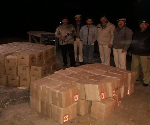 police here arrested 132 box of indigenous liquor