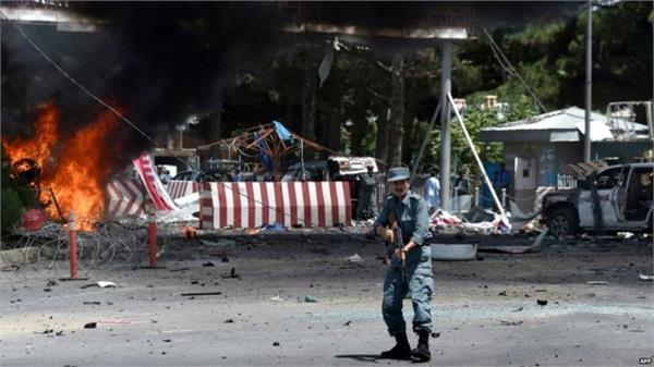 afghanistan suicidal explosion near airport 4 people die