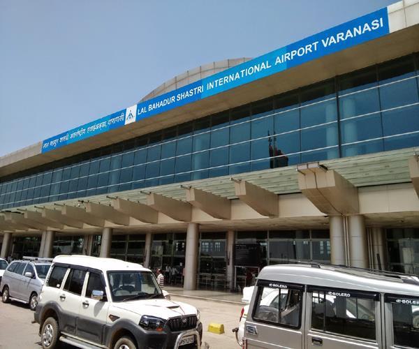 29 passengers from bangkok at varanasi airport visas and tickets found fake