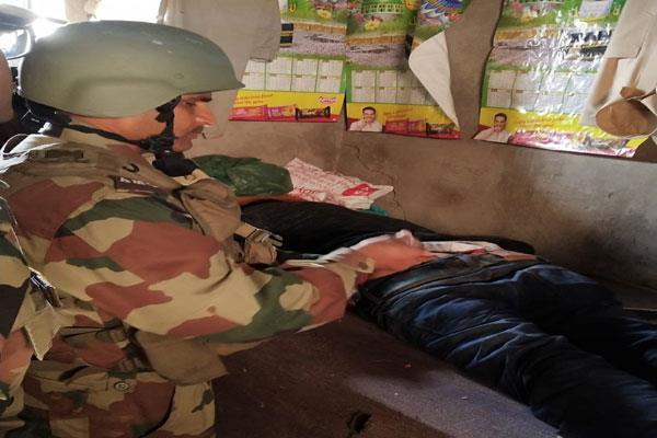 army helped injured in mendhar