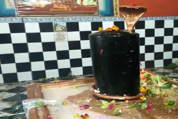 shiv mandir in chattarpur