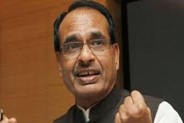 shivraj claims bjp will win from bhopal digvijay will defeat any worker
