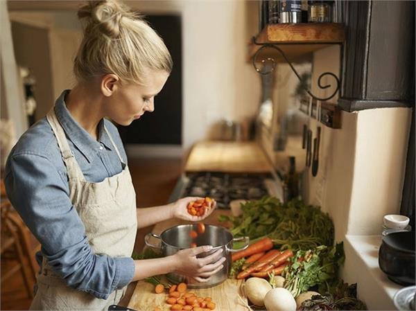 आपको भी किचन क्वीन बना देंगे ये 13 बेसिक टिप्स