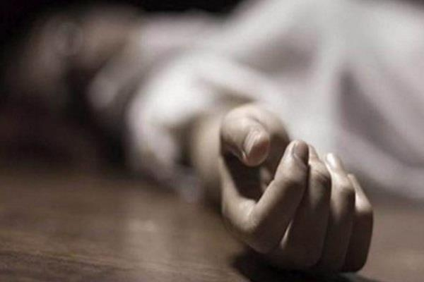 student hurt by scolding commits suicide by jumping in front of train