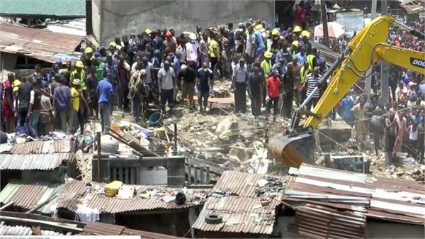 at least 9 killed in nigeria school building collapse