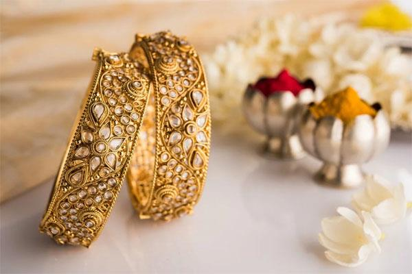 gold rebounds rs 50 silver tanks rs 175