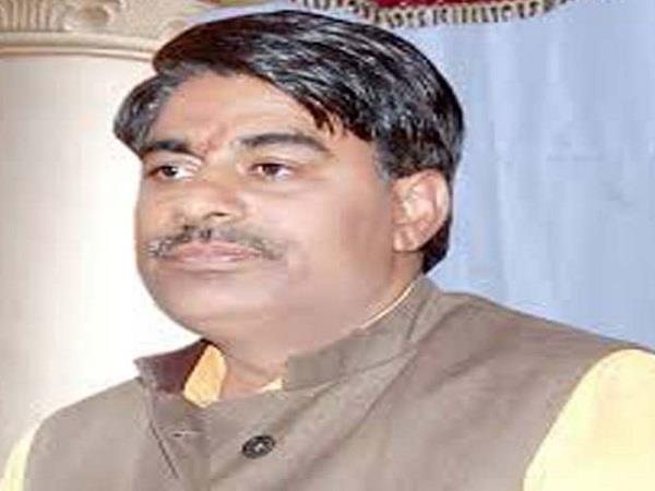 bjp leadesr attacks on digvijaya singh