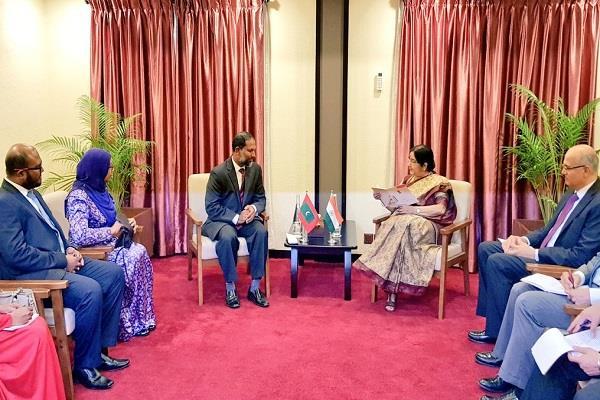 sushma swaraj meets maldivian home minister