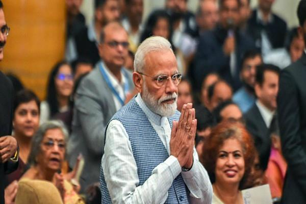 pm modi to communicate with millions of  chowkidars  in 500 places on march 31