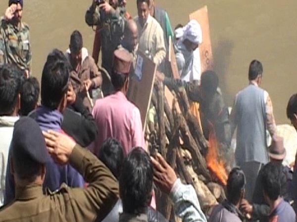 external funeral of shaheed vaishali kumar with humble eyes