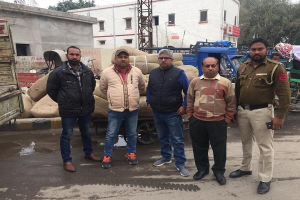 36 nos of precious stones recovered at railway station