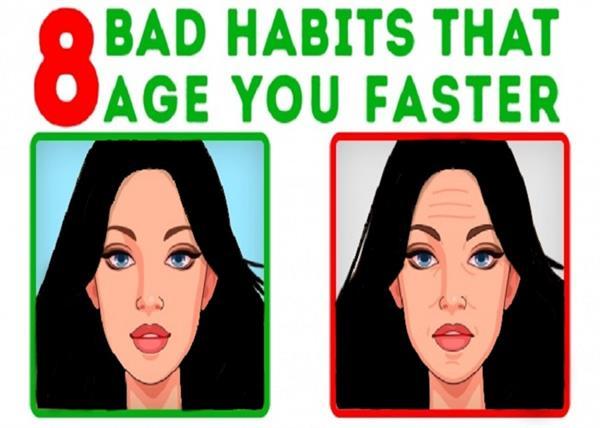 ये 8 गलत आदतें आपको बना सकती है भरी जवानी में बूढा