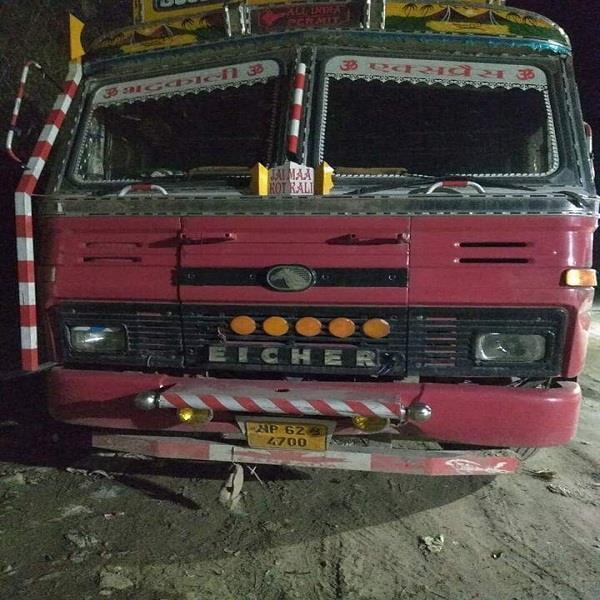 villagers catch 40 trucks full of cattle