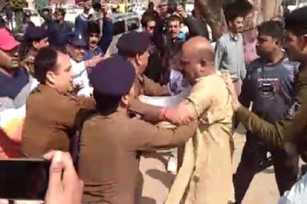bjp leader kills the officer police sticks guns beat fiercely