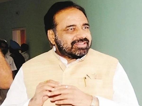 gopal bhargava attacks on congress