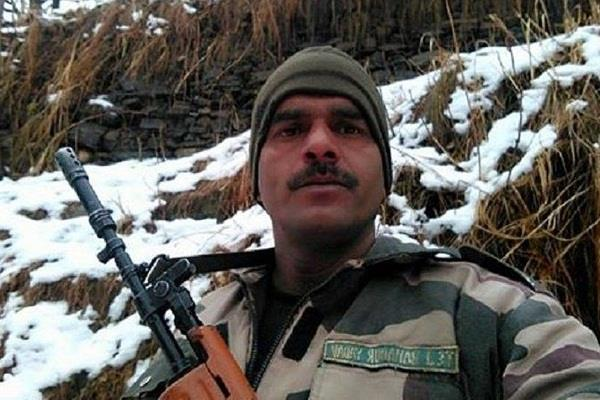 former bsf jawan tej bahadur will contest against pm modi
