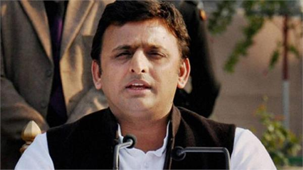 akhilesh yadav says unemployed for bjp mps cut by ticket