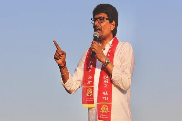alpesh thakore may quit congress bjp joins