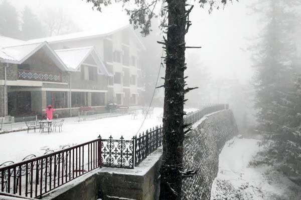 look at the pictures the fresh snowfall in himachal