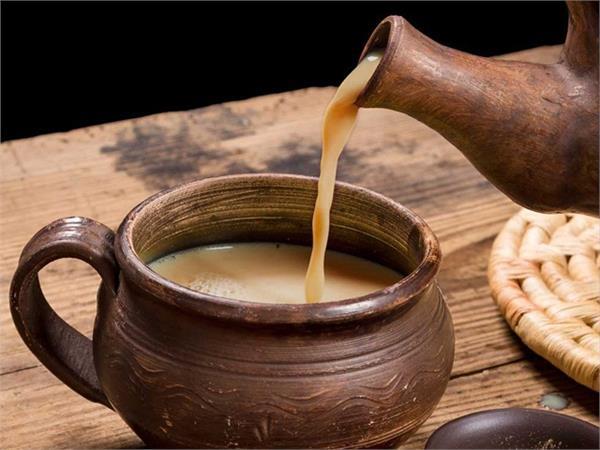गर्म चाय की प्याली बढ़ा सकती हैं कैंसर का खतरा, 4 मिनट का इंतजार करेगा बचाव