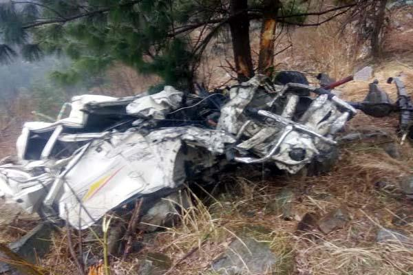bolero camper fall into 200 meter deep ditch death of 2 youth on spot