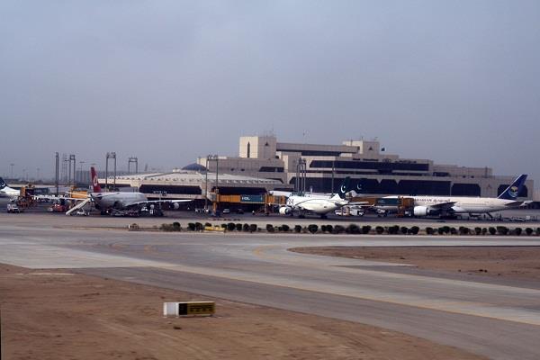 pakistan stops international flights till 11 march