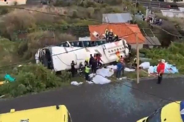 tourist bus flip in medina island of portugal 28 killed