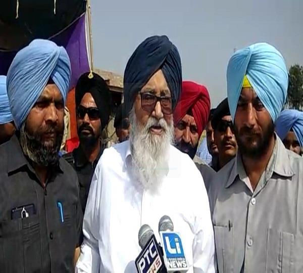 parkash singh badal speak against congress