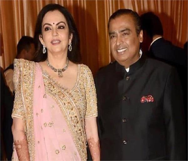 700 रू. कमाने वाली Nita यूं बनी अंबानी फैमिली की बहू, शादी के लिए मुकेश को करवाया था बस का सफर