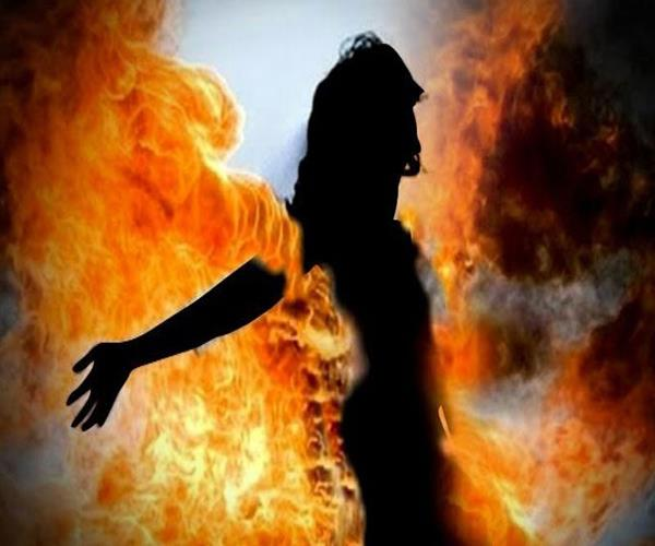woman burnt alive after failure in rape serious condition